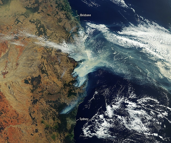 865px-Satellite_image_of_bushfire_smoke_over_Eastern_Australia_(December_2019)