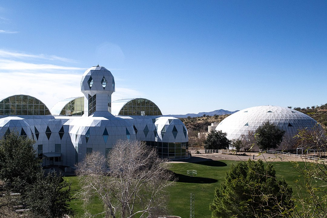 1080px-Biosphere_Panorama